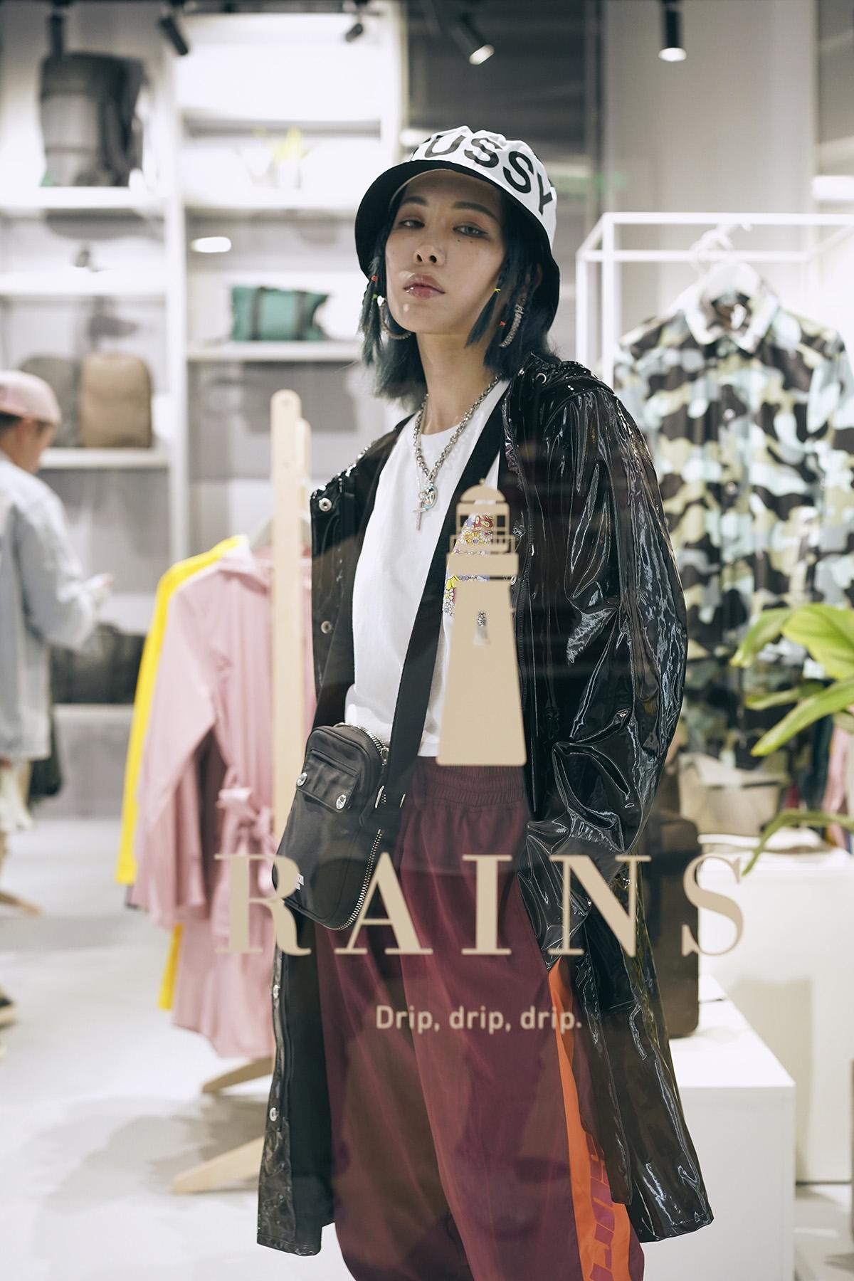 Rains Glossy Curve Jacket, 亮泽黑色