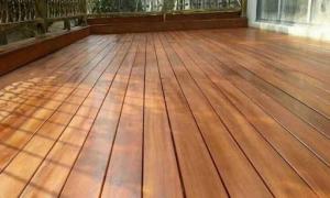 木屋别墅/户外阳台,要不要用防腐木?