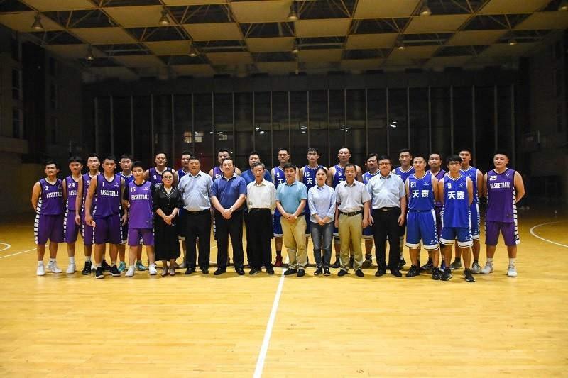 篮球比赛01