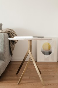Yi side table_04