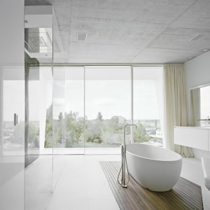 19-White-modern-bathroom-design