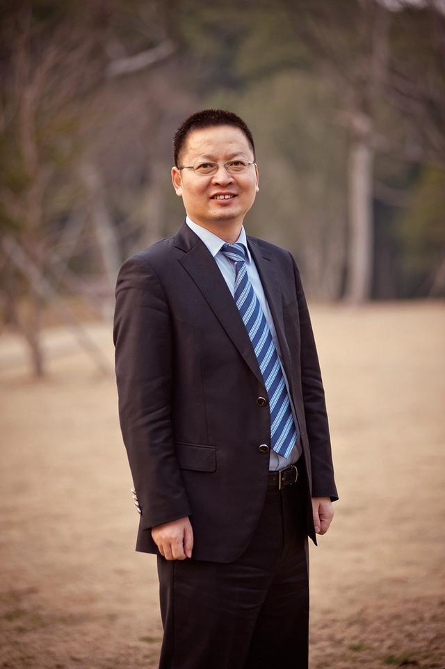 「创客风采」汪建华:专业成就中国医疗信息化第一股