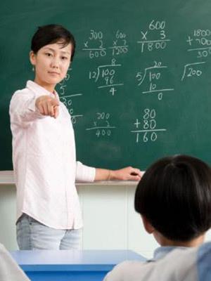 课堂教师点名学习热情度不高,教师也很无奈!