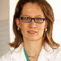 国际筋膜研究大会(FRC)首席科学家,意大利Stecco®筋膜手法协会创始人之一,意大利帕多瓦大学神经科学教授,骨外科医生