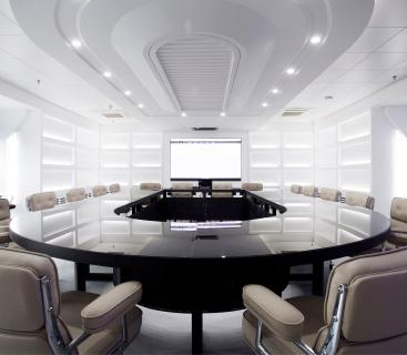 个性化智能系统设计,营造舒适、安全、高效的办公 环境,为不同体系的商业伙伴提供完整解决方案