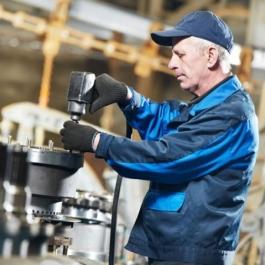 在企业级产品技术研发具有十多年的经验,曾开发多款百万级企业产品