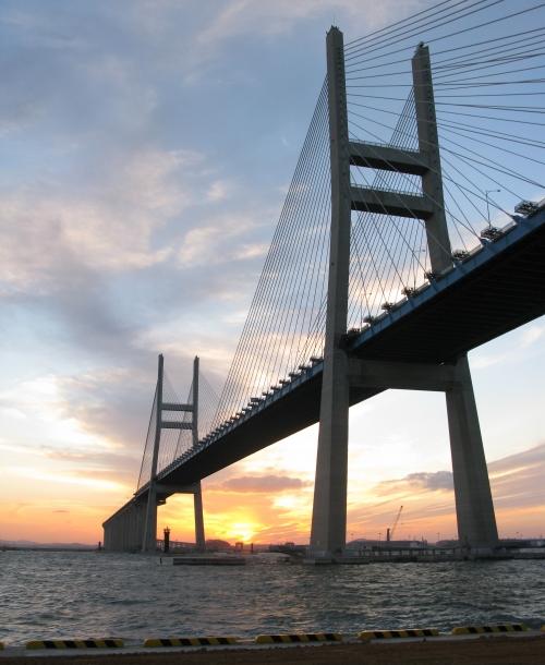 千图网-阳光下的大桥