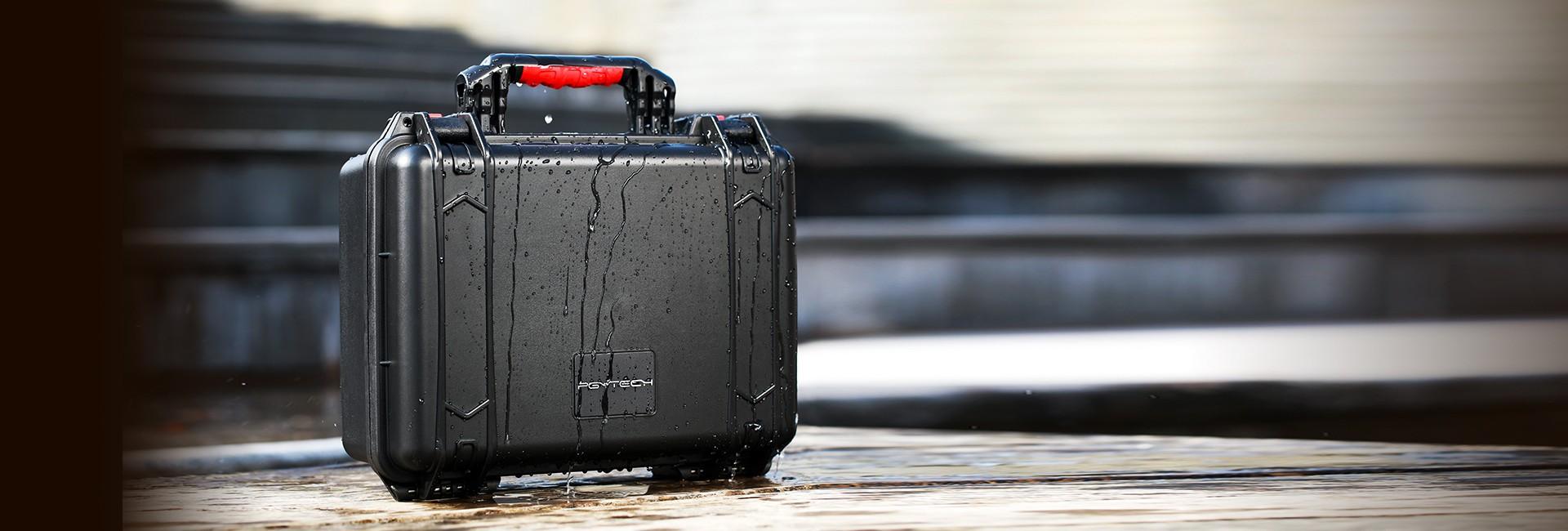 带屏遥控器防水安全箱-海报