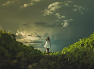 prairie woman at sunset 日落时的草原女人