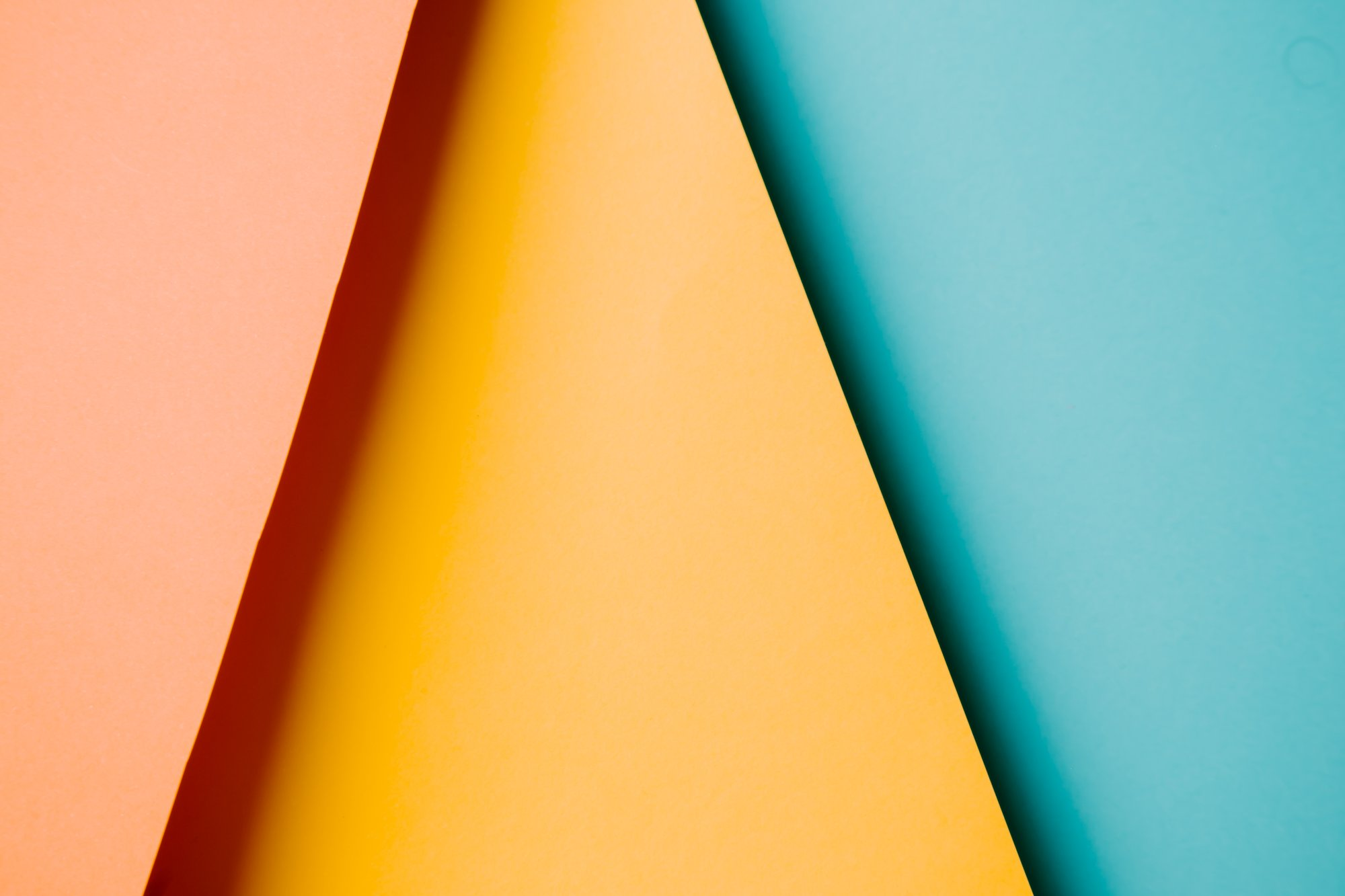 abstract triangles of red orange and blue 红色、橙色和蓝色的抽象三角形