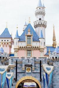 gray and blue concrete castle 灰蓝混凝土城堡
