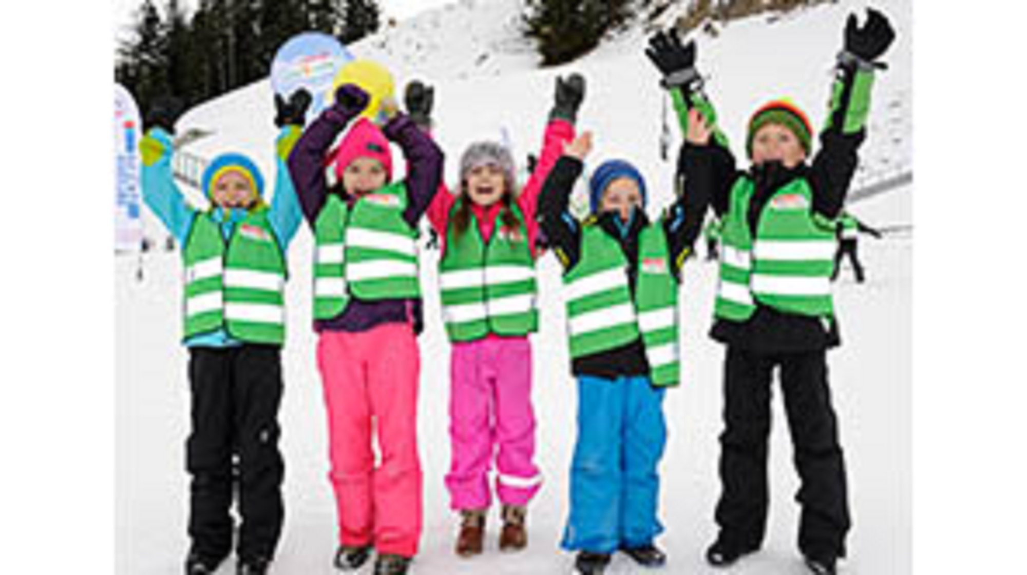 AUSTRIA-Children-in-the-snow