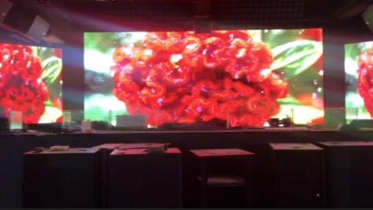晟科光电杭州室内LED显示屏酒吧屏工程案例-室内会议室P4 SMD2121 LED显示屏安装