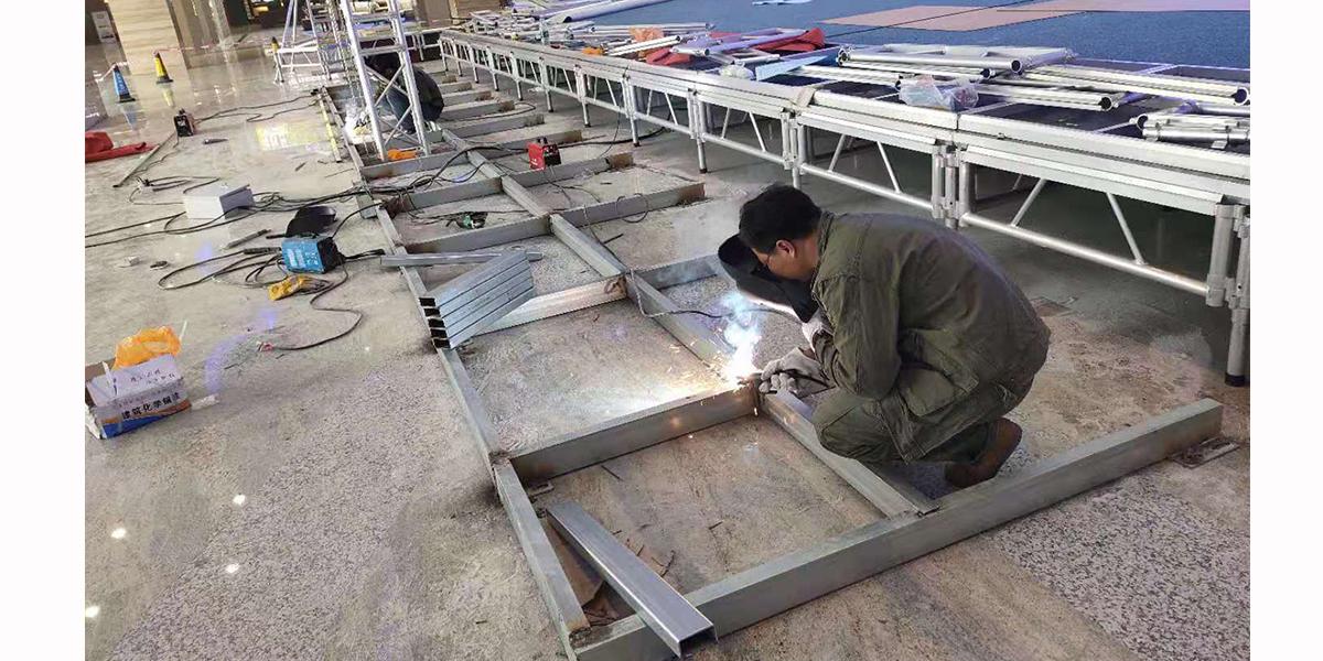 晟科光电室内p3舞台屏焊接过程