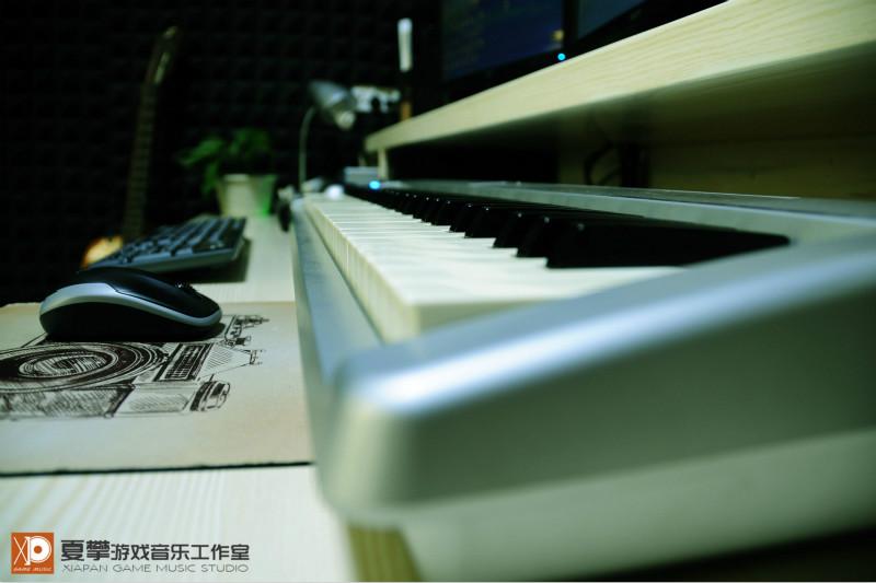 游戏音乐是通过声音的方式来帮助游戏提升玩家游戏感受的。所以游戏音乐的类型会随着游戏风格的改变而作出相应调整。