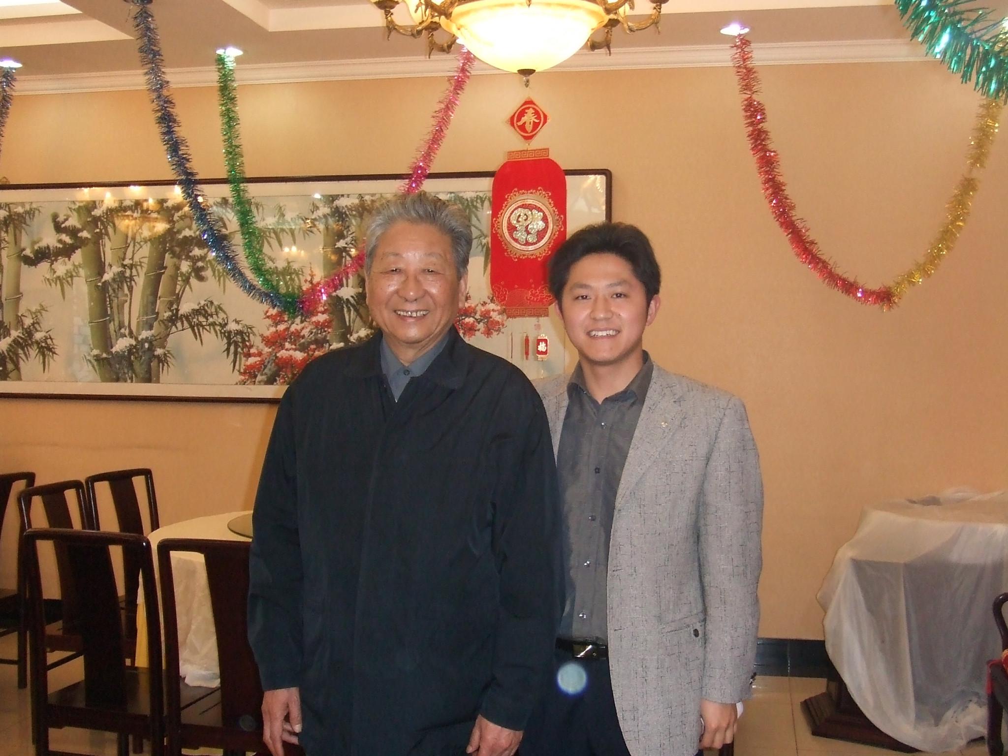 魏国锋校长与著名表演艺术家,原中戏表演系系主任、北京演艺学院院长——梁伯龙