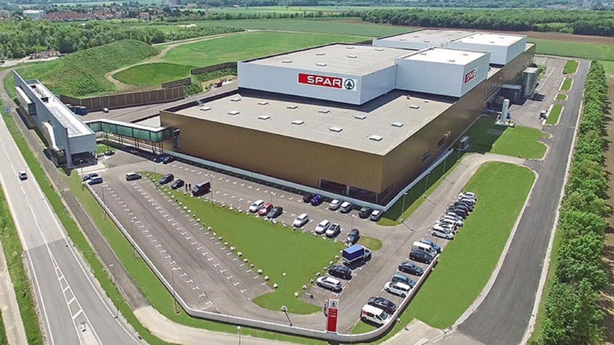SPAR-Austria-opens-Europes-most-modern-logistics-centre-in-Ebergassing-1