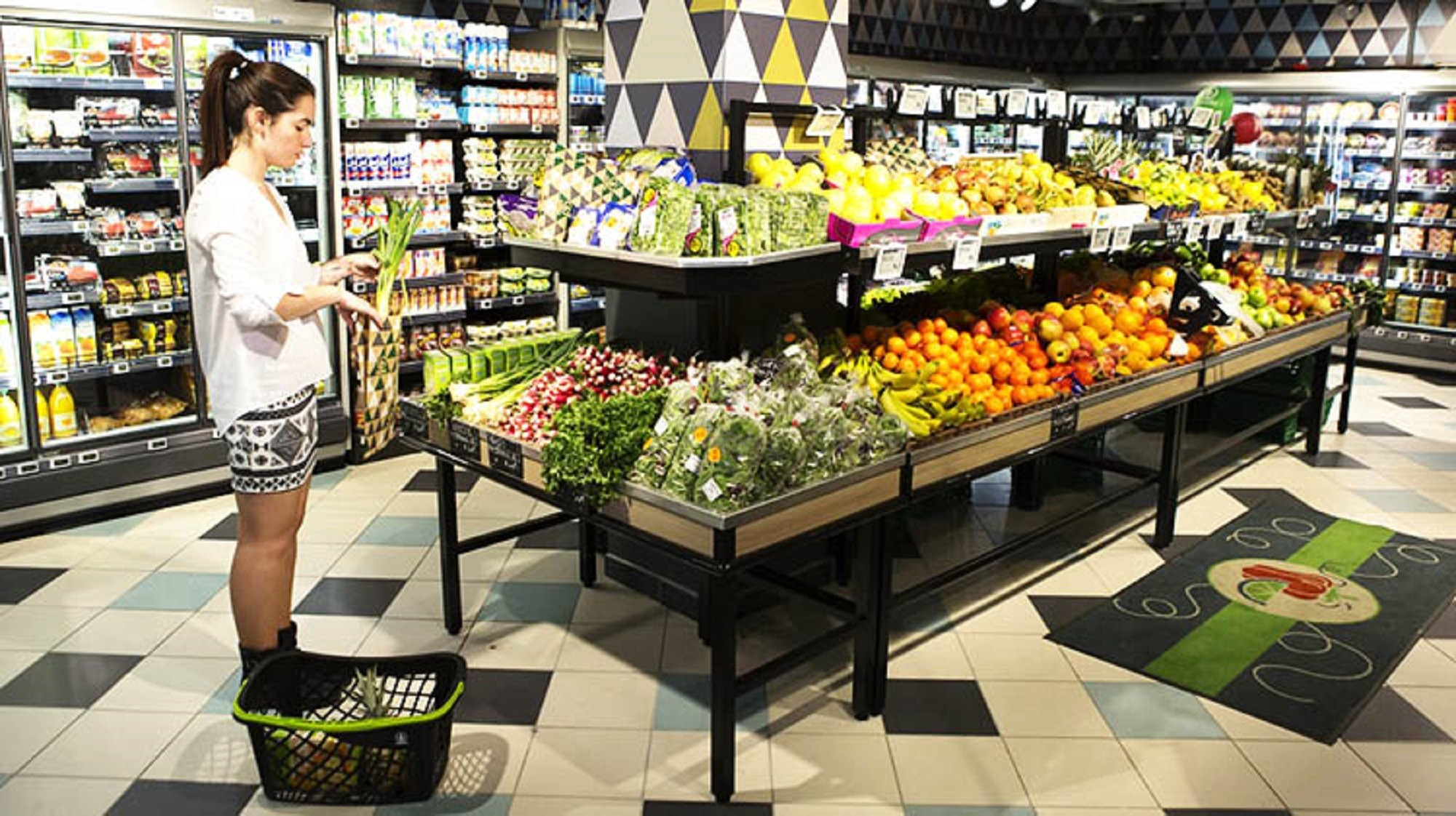 FR-SPAR-Aix-en-Provence_Fresh-and-convenience-are-a-focus-at-this-new-SPAR-store750X500