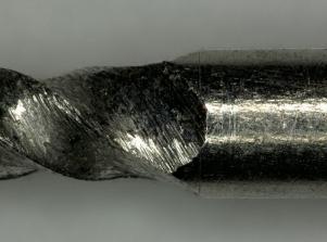 不锈钢针表面毛刺放大图