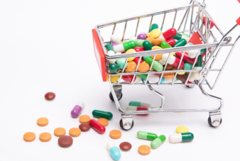 摄图网_500868434_wx_购物车与药物(企业商用)