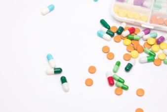 摄图网_500868411_wx_药盒和药物(企业商用)