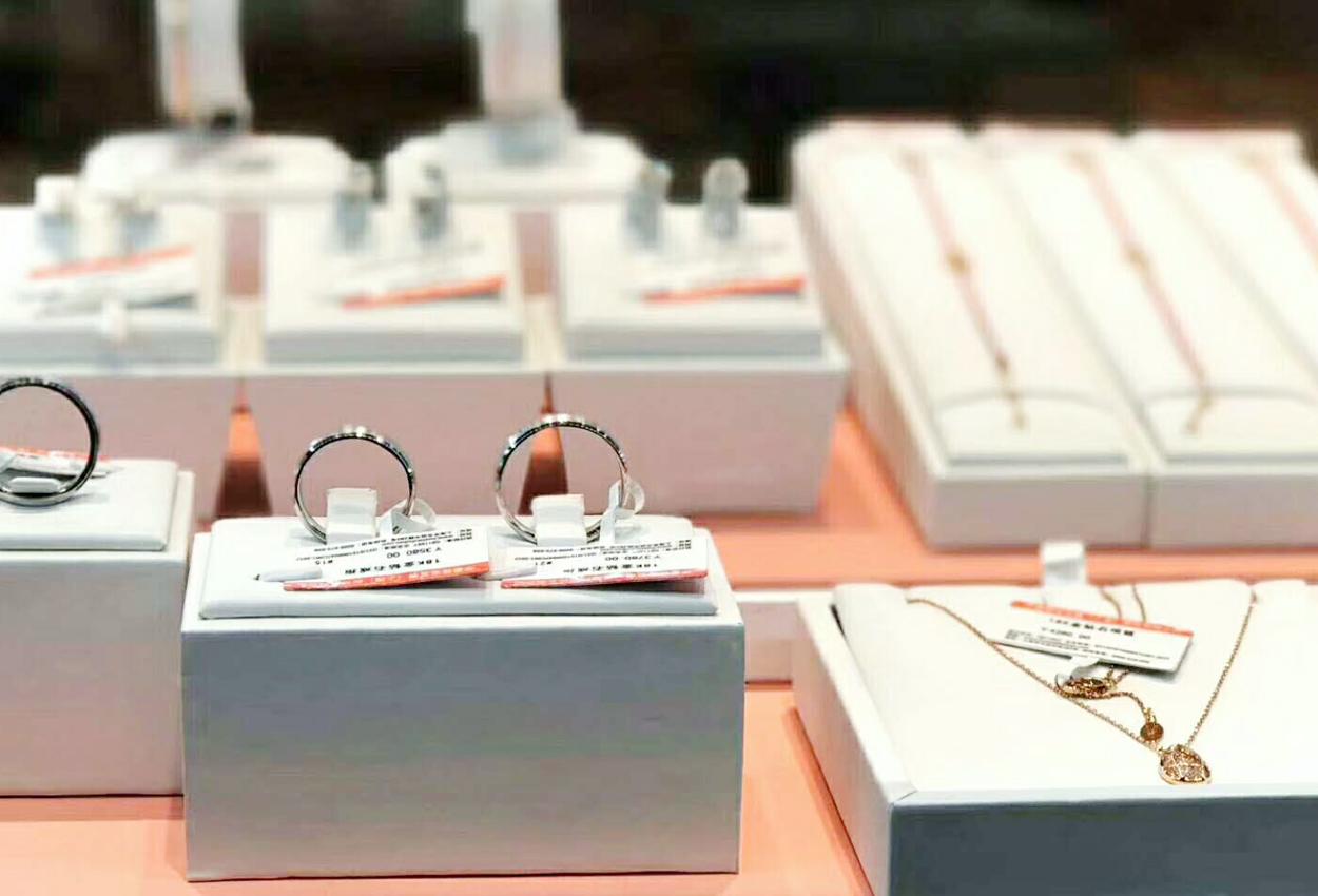 珠宝柜台的设计与珠宝店面的装修有什么联系