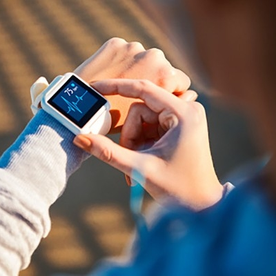 checking-her-heart-rate-on-a-smart-watch-picture-id1130693402_s