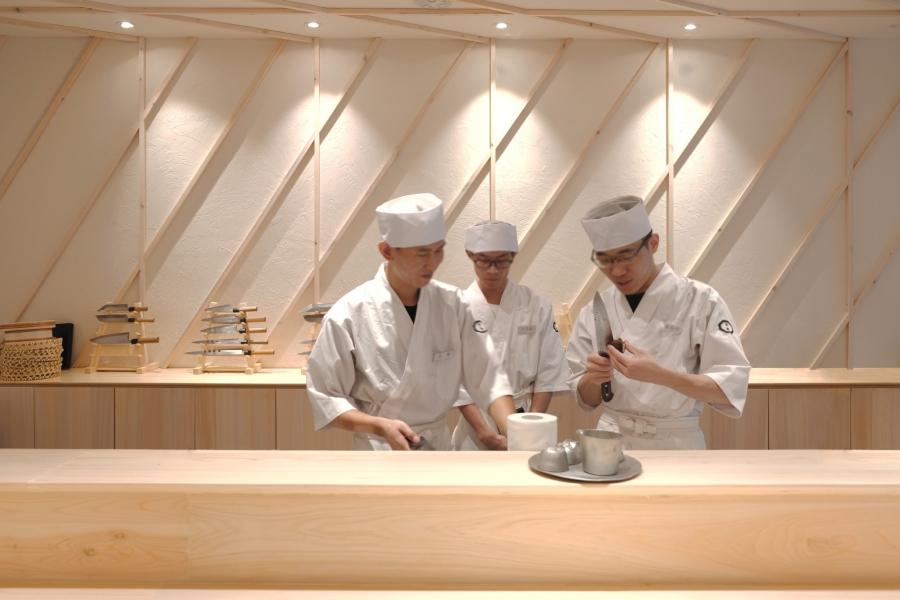 20 寿司吧台